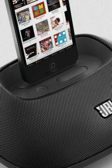 Breaking News : Un OVNI a kidnappé un iPhone 5 ! Test exclusif JBL OnBeat Micro
