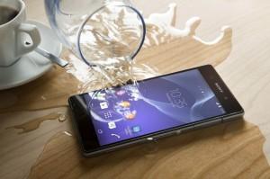 Sony Mobile Xperia Z2 mise en scéne verre d eau