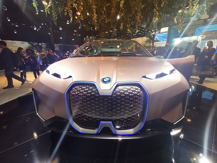 BMW Vision i-Next et Natural Interaction, j'ai testé en VR le futur de l'automobile